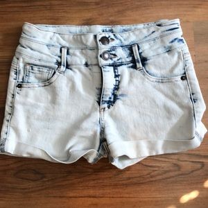 Cherokee White and Blue Jean Shorts Size Large